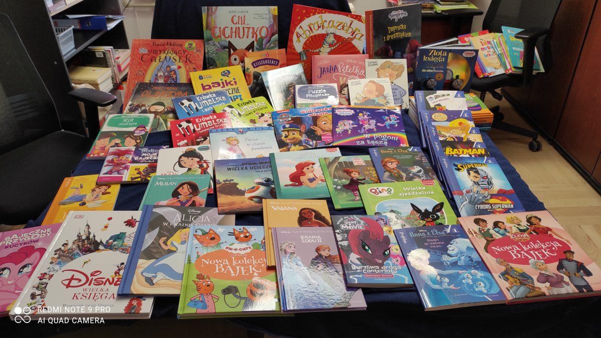 Zdjęcie wielu książek bajkowych
